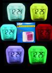BAY LED Uhr mit Wecker Datum Temperatur und Farbwechsel