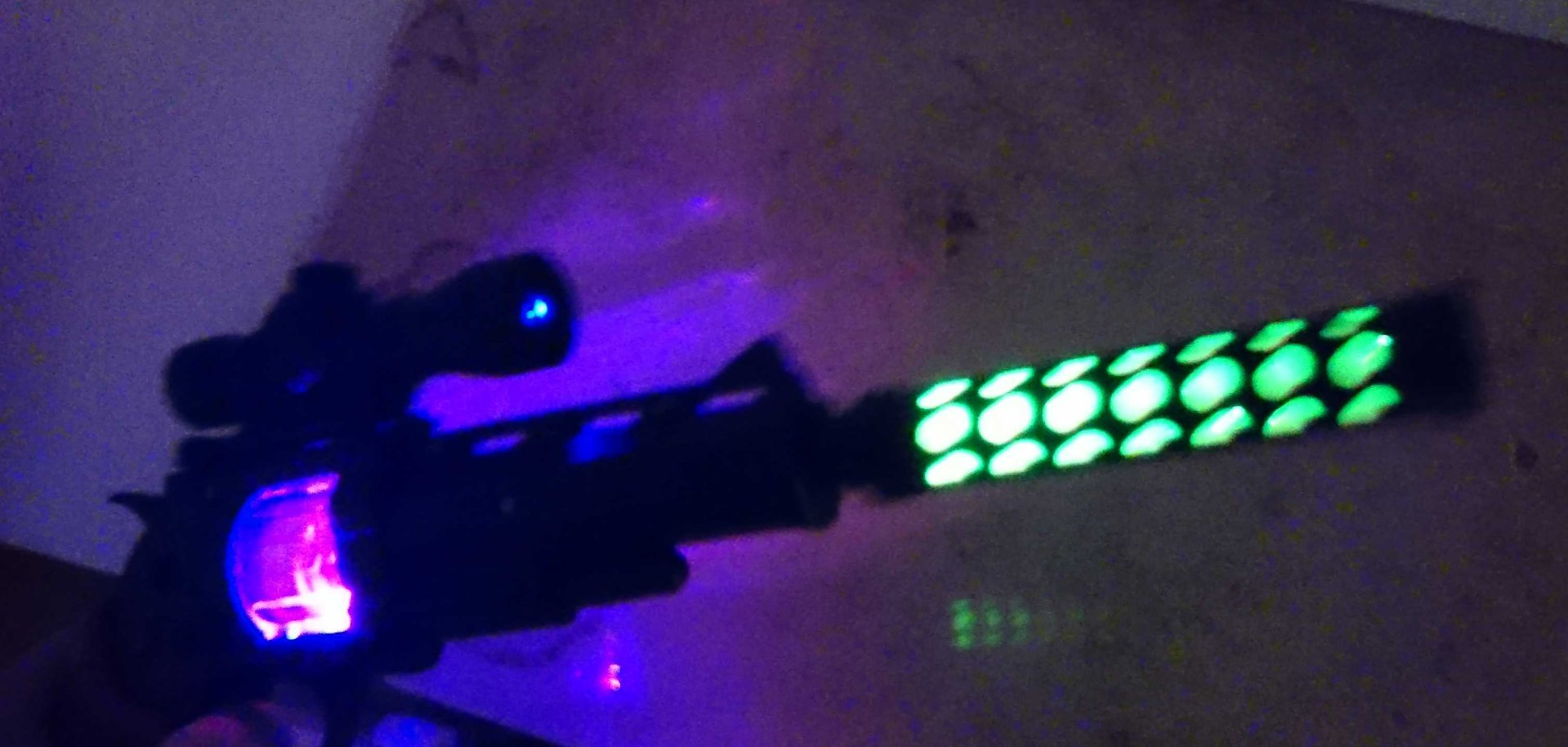 LED Laser Light Revolver Pistol Light And Sound Effects Space COLT ...