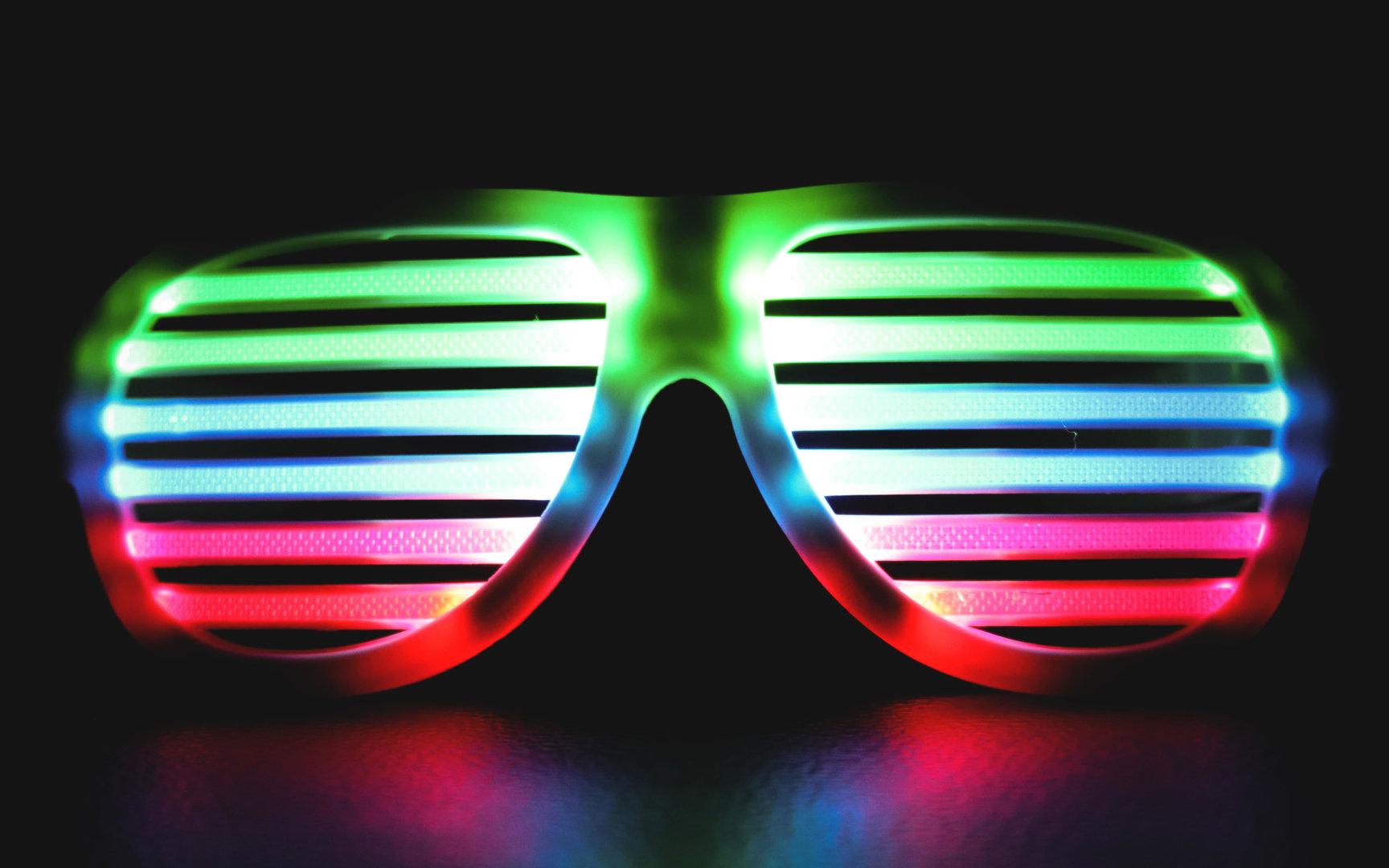14 stunden led power party rolladen brille ger uschpegel. Black Bedroom Furniture Sets. Home Design Ideas