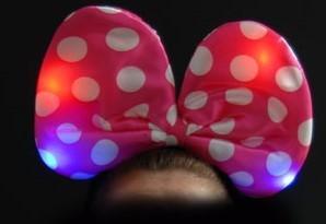 cl Haarreifen PINK mit Leucht Blink Fliege LED Leuchtfliege Schleife MAUS Groß