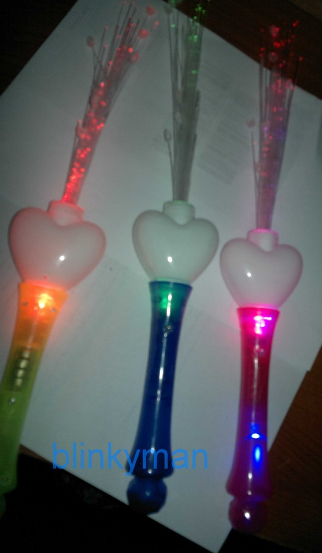 Led Hand Held Wand Fibre Optic Heart Red Pink Flashing