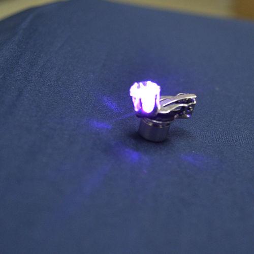 FG LED OHR CLIP clips Ohrringe Schmuck Disko Mode Lila Grün Blau Weiss Diamant Optik