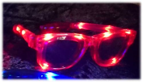 NEU 2018 Wayfarer leucht LED Brille Rot Red Glasses LEDs RAY Style