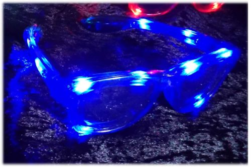 NEU 2018 Wayfarer leucht LED Brille Blau blue Glasses LEDs RAY Style