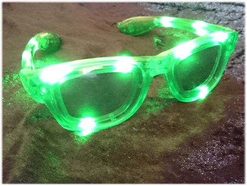 NEU 2018 Wayfarer leucht LED Brille Grün green Glasses LEDs RAY Style