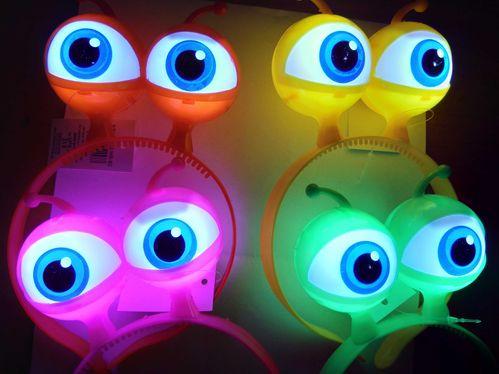 rb LED Blink Haarreifen Glubsch Augen Alien GRÜN BLAU Pink Leucht Haar Reif Reifen Blink